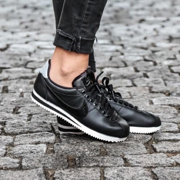 d830332fdc6a Nike Classic Cortez Premium Leather Black 7.5 NWT